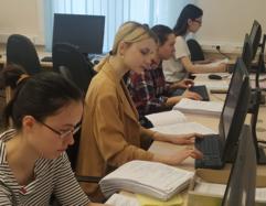 Свердловские студенты-медики помогают врачам в борьбе с распространением коронавируса