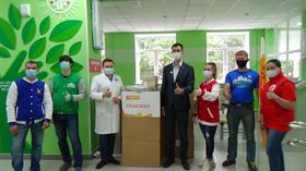 Волонтеры поддержали медработников екатеринбургской 24 больницы в борьбе с covid-19