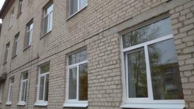 В рамках социального партнерства в больнице Каменска-Уральского заменят все окна