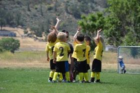 ВОЗ: чтобы расти здоровыми, детям нужно меньше сидеть и больше играть